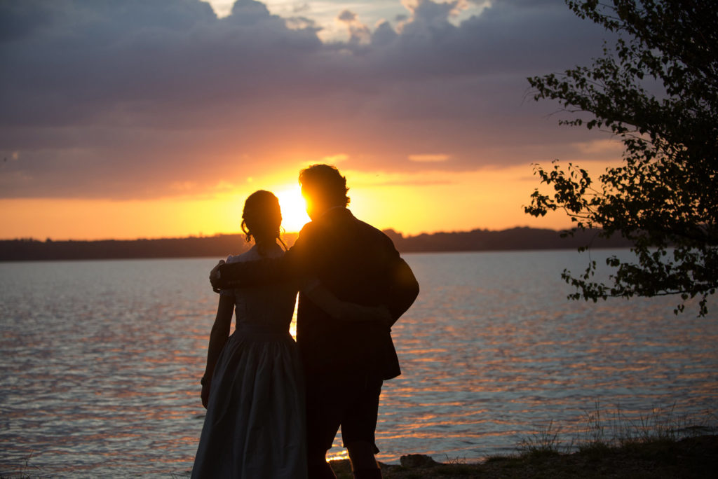 Brautpaar im Sonnenuntergang – Hochzeitsfotograf Max Merget in Garmisch, München, Starnberg und Umgebung